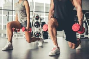 exercice de musculation poids et flexion